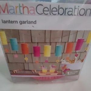 MARTHA STEWART Martha Celebrations lantern garland